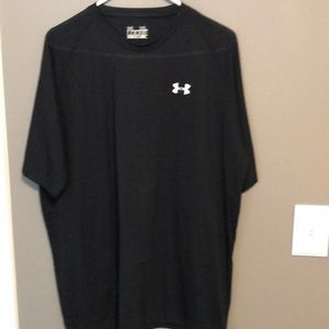 Men's XL Under Armour black shirt